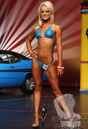 Squats and deadlifts didn't give Chelsey Mcallister a blocky midsection