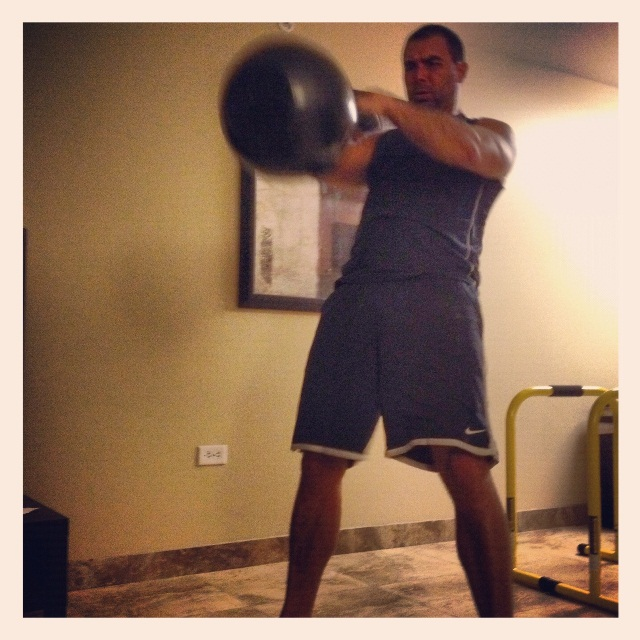 Heavy-Ass-Kettlebell-Swing2
