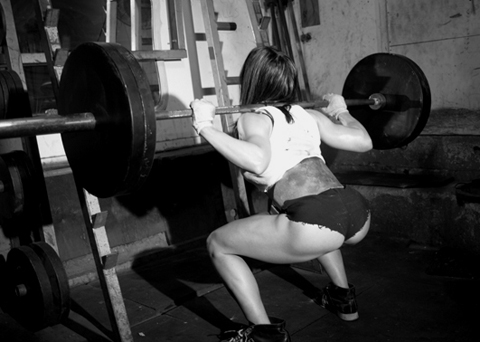 Pauline Nordin squats and her booty rocks!